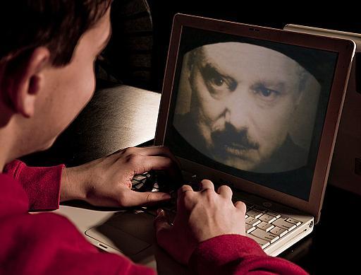 Big Brother total: Tudo o que é escrito no Facebook será INSPECIONADO!